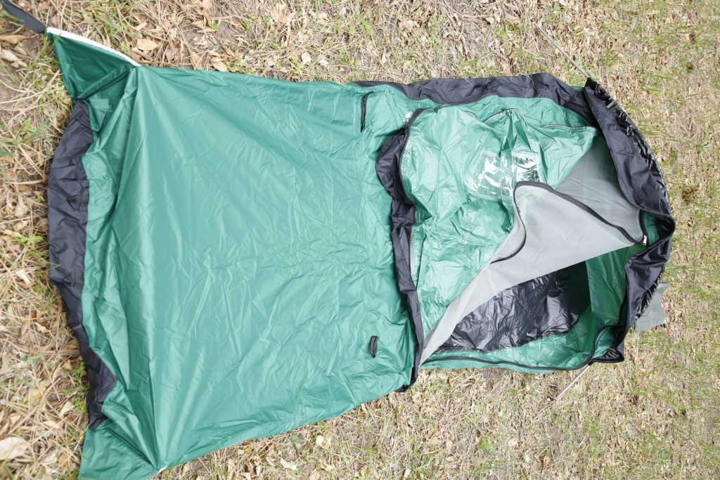 man with ultralight bivy sack, best waterproof bivy sack, hiker with gear, best ultralight bivy sack, best bivy sack for camping, outdoor gear, camping gear